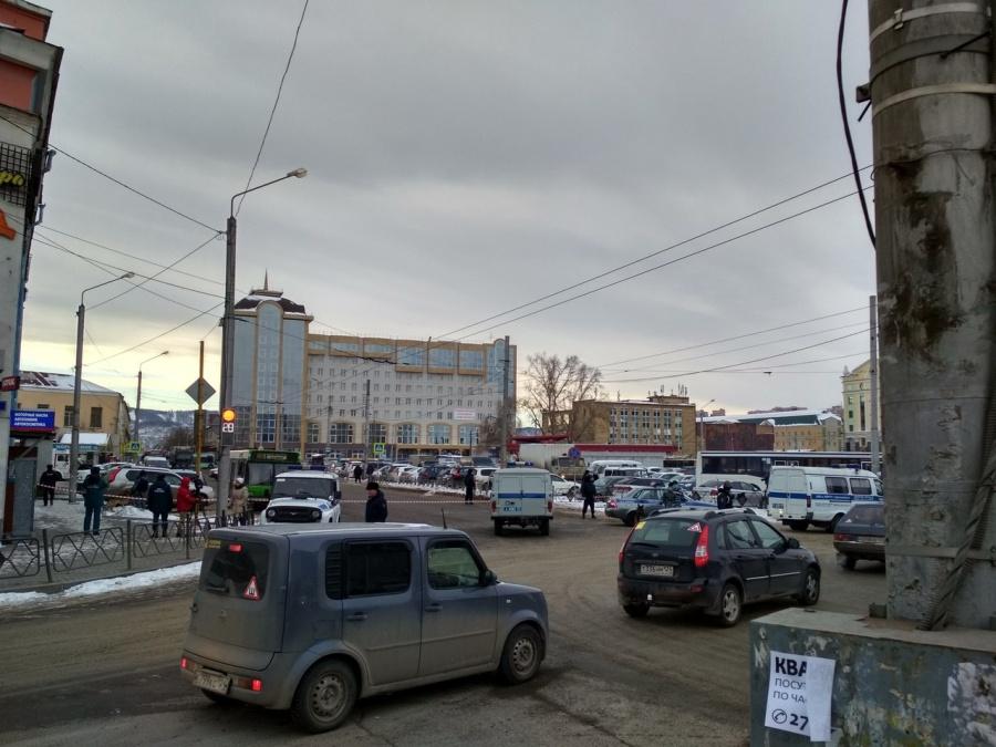 «Бомбой» навокзале Красноярска оказался перемотанный изолентой телефон