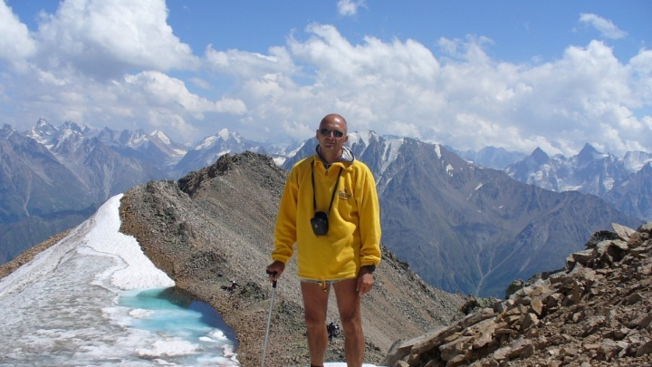 Спасатели нашли волгоградского альпиниста, сорвавшегося с вершины Эльбруса