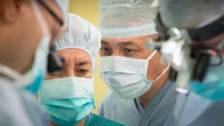 «У меня в дипломе написали, что я медсестра, но я смог это оспорить»: правила жизни опытного медбрата