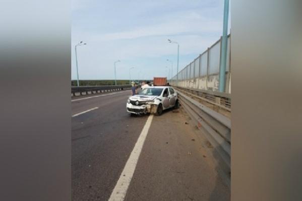 Авария произошла в Ярославском районе на Юбилейном мосту