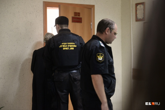 Суд в Березовском сегодня проходил в закрытом режиме