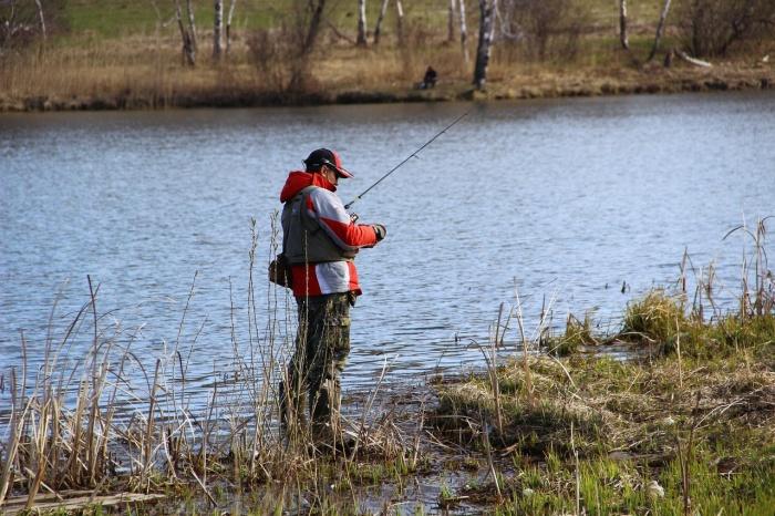 Некоторые рыбаки из-за холодной погоды отказались от участия в соревнованиях