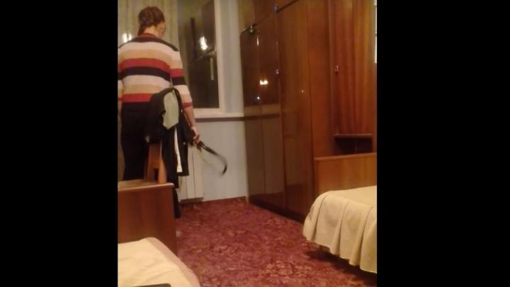 Учительницу из Первоуральска, которая два года истязала приёмную дочь, признали невменяемой