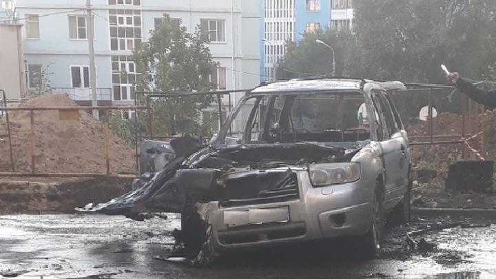 В Самаре на Пензенской сгорела Subaru Forester