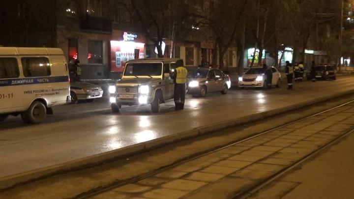 Угнанные авто, наркотики и масса пьяных: гаишники отчитались об итогах ночного рейда в Екатеринбурге