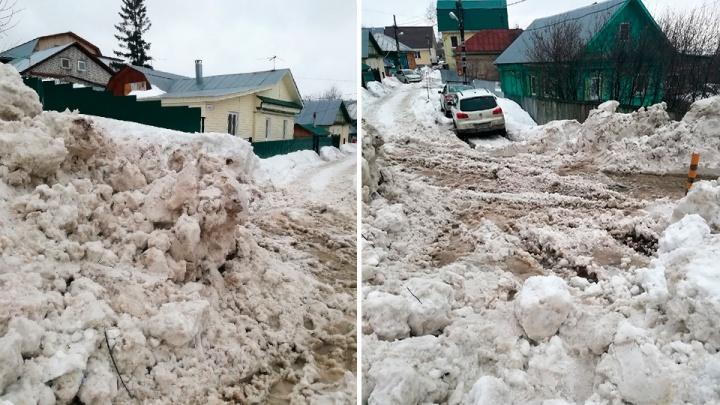 Снежные барханы в 20 минутах от Телецентра: как Уфу расчищают от снега