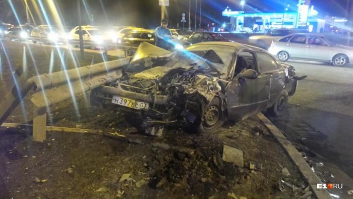 Оба автомобиля серьезно повреждены