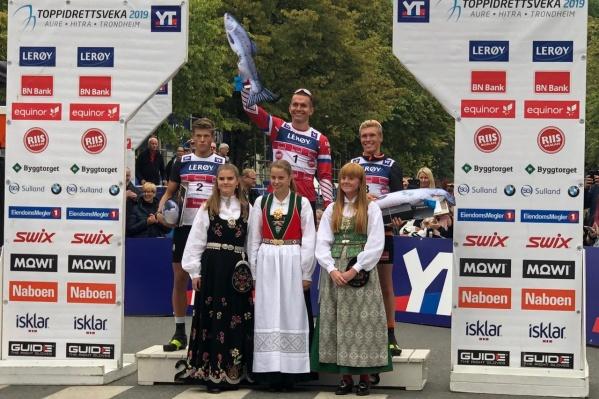 Александр Большунов пришёл к финишу с результатом 37 минут 29,4 секунды
