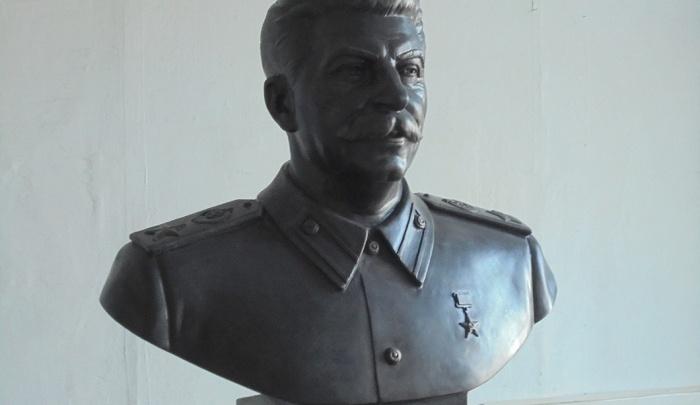Военные отказались ставить памятник Сталину возле Дома офицеров