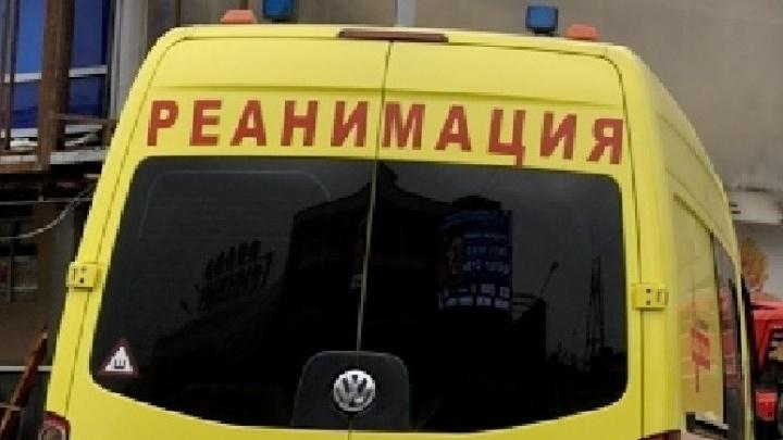 На Старой Сортировке с шестого этажа выпала трёхлетняя девочка
