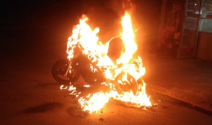 «Теперь платить кредит за то, чего нет»: В Дзержинском районе сгорел мотоцикл Honda