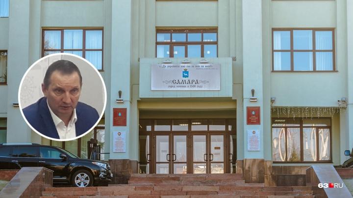 Прославился историей с гробом: Андриянов покинул пост главы департамента потребрынка Самары