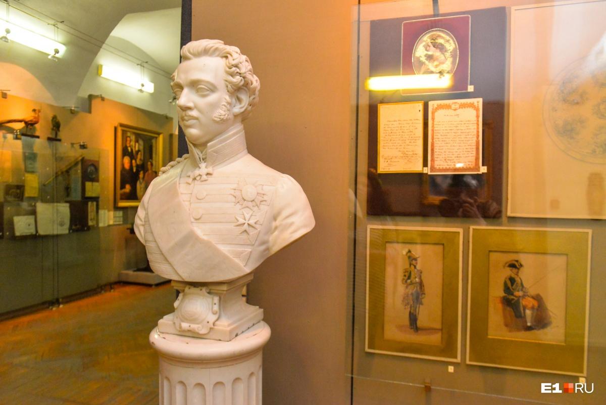 Бюст еще одного потомка Демидовых, Анатолия. Он увлекался Наполеоном и даже женился на Матильде Бонапарт, дочери младшего брата великого полководца