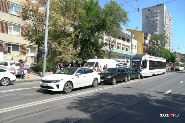 Авария случилась на улице Горького