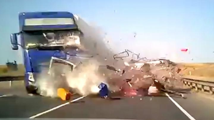 В Самаре предъявили обвинение водителю минивэна, из-за которого в ДТП погибли 5 человек