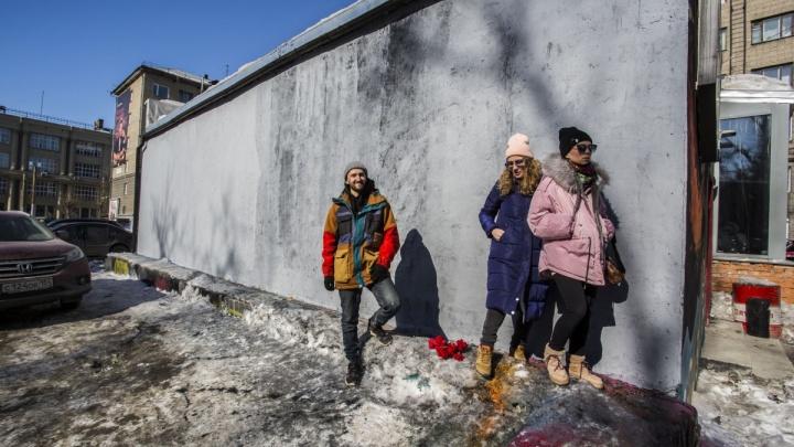 Распишут заново: мэр заявил, что на месте закрашенных граффити в центре появятся другие
