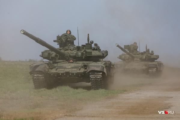 Два последних прогона военной техники пройдут уже на площади Павших Борцов