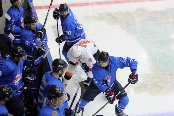 В Кургане завершился матч между командами Курганской области и Пермского края