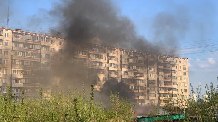 Как будто многоэтажка загорелась: в Челябинске огонь уничтожил частный дом