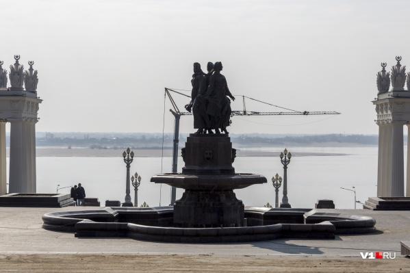 Фонтан тоже попал в большой ремонт Центральной набережной