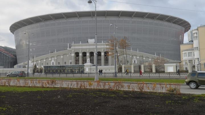 К Центральному стадиону съехались полиция и реанимация