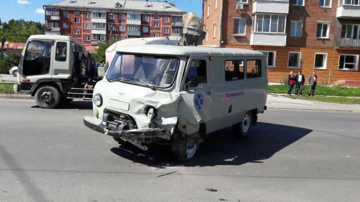 Мотоциклист разбился насмерть в аварии с УАЗом в Академгородке