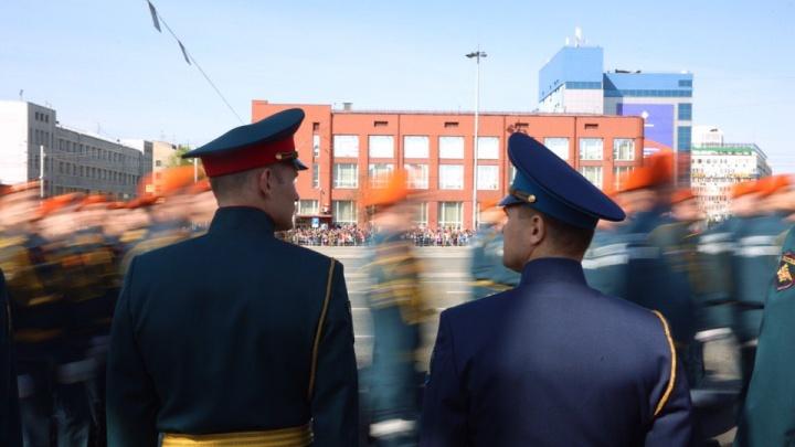 15 лучших фото с парада Победы в Новосибирске