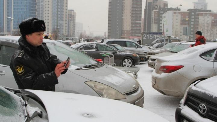 Приставы арестовали автомобиль красноярца, задолжавшего банкам 3 миллиона