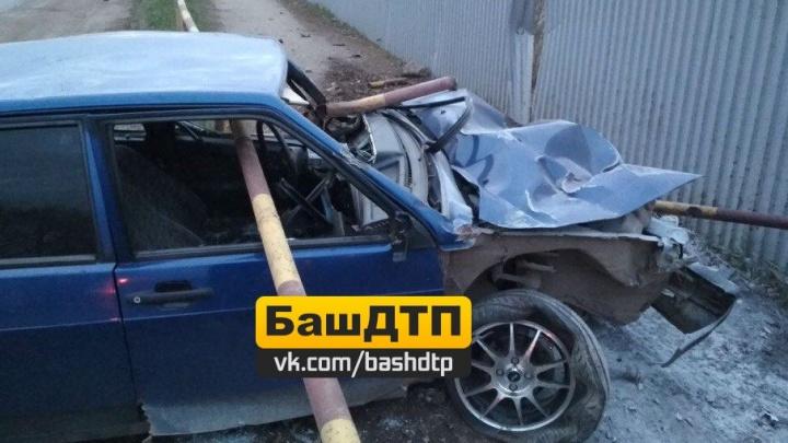 Трубой пробило насквозь: в Башкирии в ДТП попал ВАЗ-2109