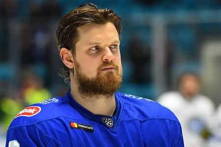 Контракт с 28-летним защитником Константином Климонтовым подписан до конца сезона