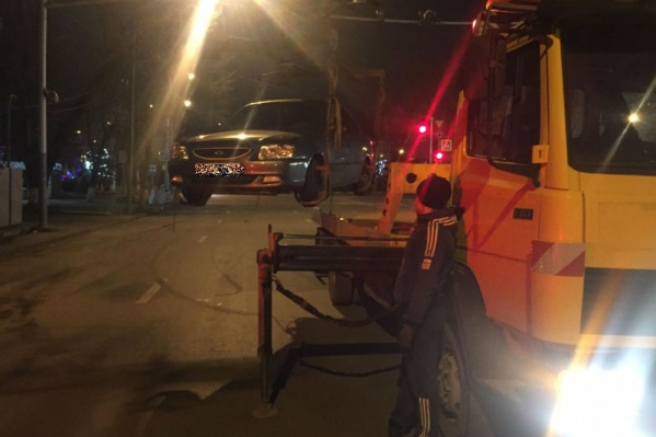 Водитель этого авто решил, что сможет скрыться от полиции. Но что-то пошло не так. Теперь «железный конь» ждет своего хозяина на штрафстоянке