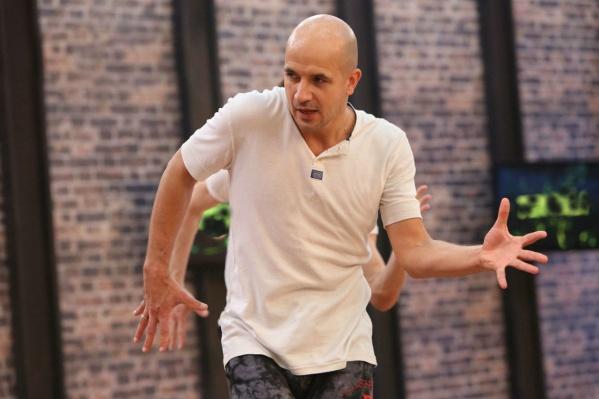 Все советы танцовщикам Егор Дружинин демонстрировал на личном примере