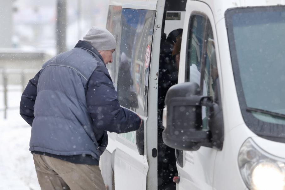 Одновременно маршрутчики подняли стоимость проезда с 23 до 26 рублей