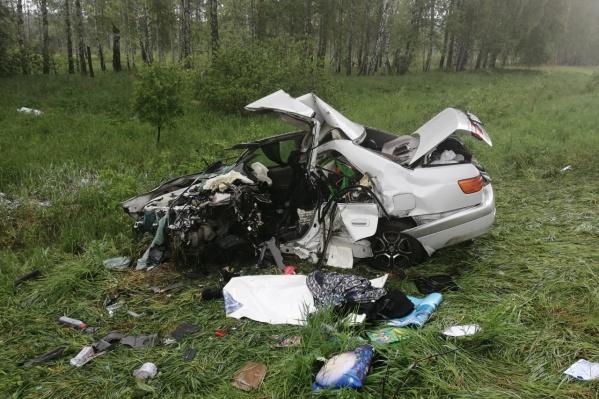 Водитель «Тойоты» выжил, два его пассажира погибли