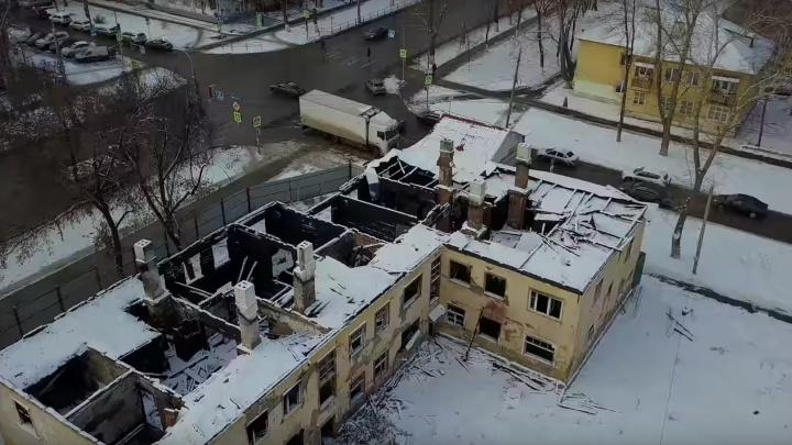 Прощаемся с двухэтажками: расселённый квартал около «Вива Лэнда» сняли на видео с высоты