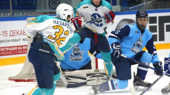 Хоккей: «Сибирские снайперы» проиграли «Алтаю»