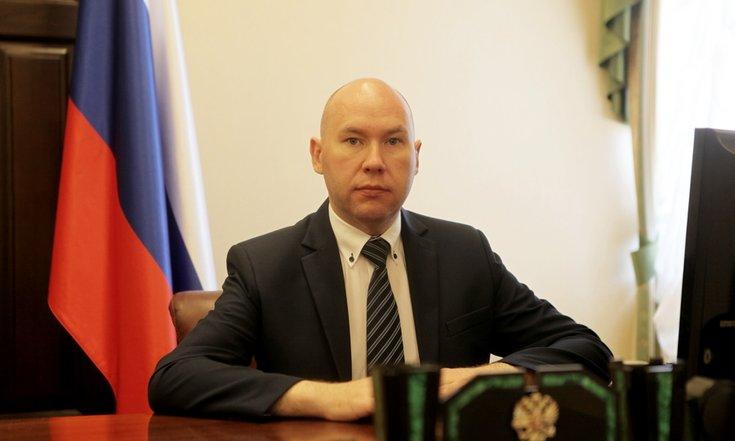 Его назначили на должностьпомощника полпреда президента в Уральском федеральном округе в 2018 году