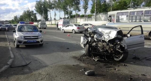 Водитель BMW, устроивший замес в Первоуральске, был пьян и пытался скрыться от ГИБДД