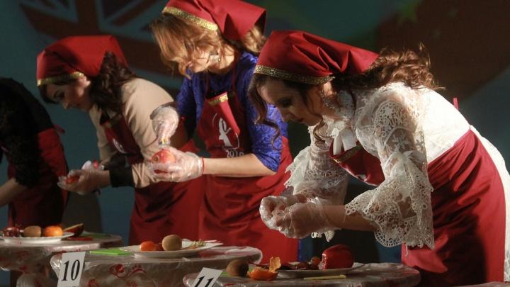 В Омске мастера по наращиванию ресниц признали самой лучшей невесткой