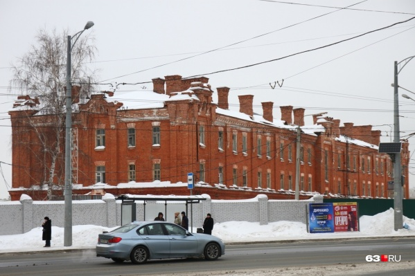 Памятник архитектуры продают с обременением: новый владелец должен будет следить за состоянием здания