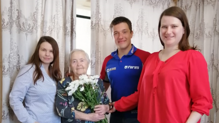 Участвовали десятки человек: форумчане E1.RU поздравили ветеранов с Днем Победы