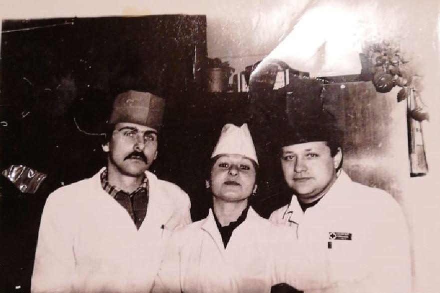 Михаил (крайний справа) с коллегами