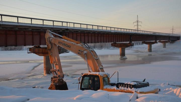 На трассе М-8 приступили к реконструкции моста через Исакогорку