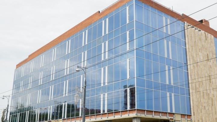 Дело ТЦ на набережной: здание требуют отправить на экспертизу, но её стоимость не смогли обосновать