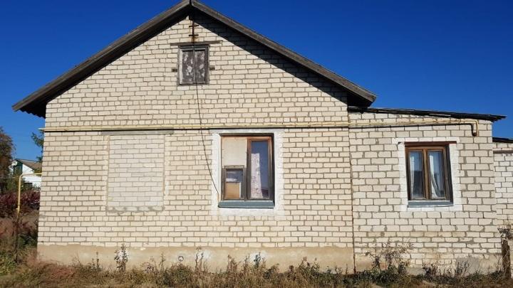 «Выкинули на улицу и забрали вещи»: волгоградка получила дом, обманом продавая муниципальное жильё