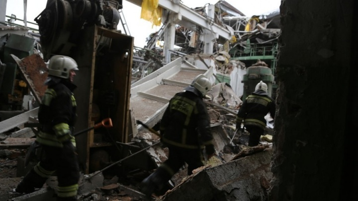 За гибель рабочих на заводе Калинина до сих пор никто не ответил: почему затянулось расследование