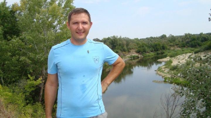 «Он любит гулять у воды»: камышан зовут на поиски 37-летнего мужчины со шрамами от ожогов