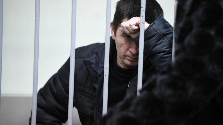 Один признал вину, двое молчали: как прошел суд о мере пресечения для обвиняемых в убийстве Каторгиной