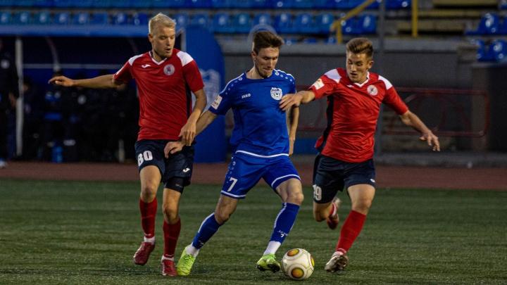 ФК «Новосибирск» выиграл свой последний домашний матч с «Читой» благодаря пенальти