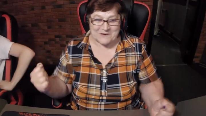 62-летняя стримерша из Искитима попала в документальный фильм о российских геймерах